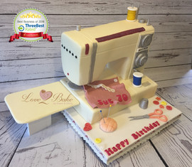 Sewing Machine Cake by Love2bake