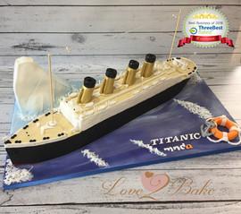 Titanic Replica Ship Cake by Love2bake