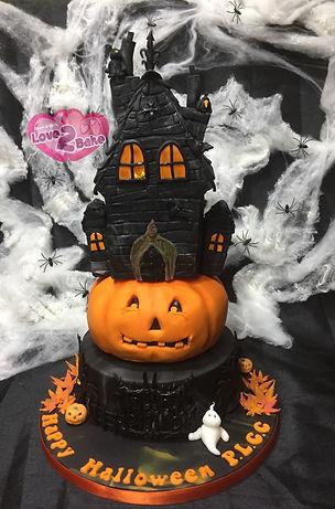 Halloween House Cake - Pumpkin Cake