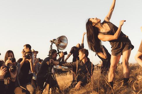 CAMERAS & DANCERS