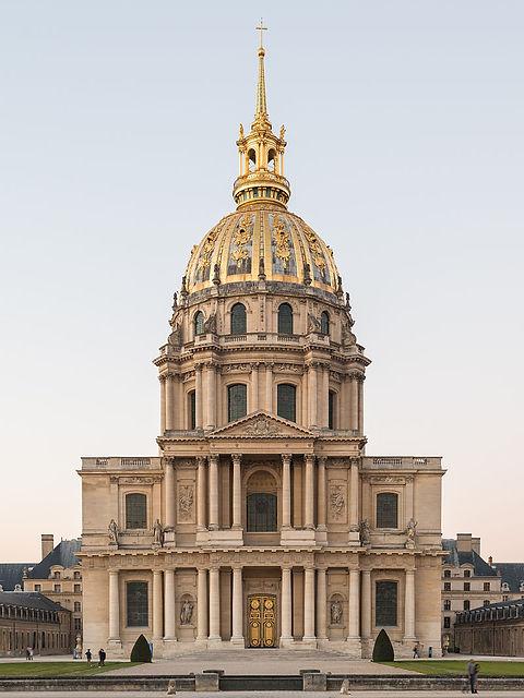 800px-Cathédrale_Saint-Louis-des-Invali