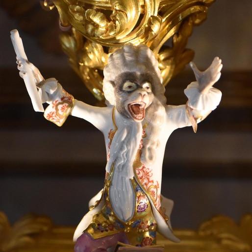 Chantilly tout de porcelaine vêtu : la Fabrique de l'Extravagance