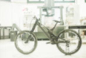 unno downhill bike.jpg