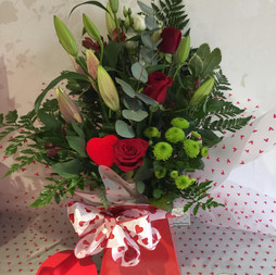Valentine lily and rose bouquet £45