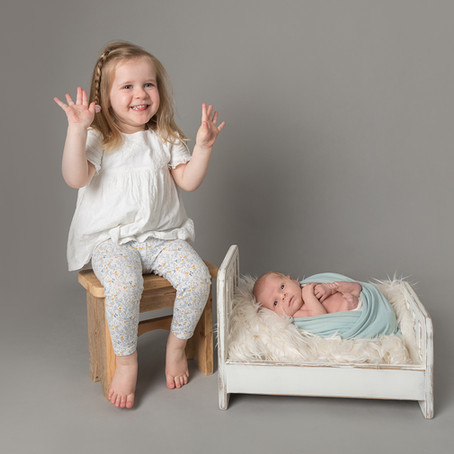 Oscar & Grace - Newborn session with toddler