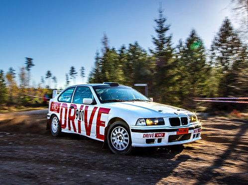 Åka rallybil