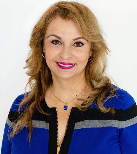 Elvira Vasquez_Que Delicias.jpg