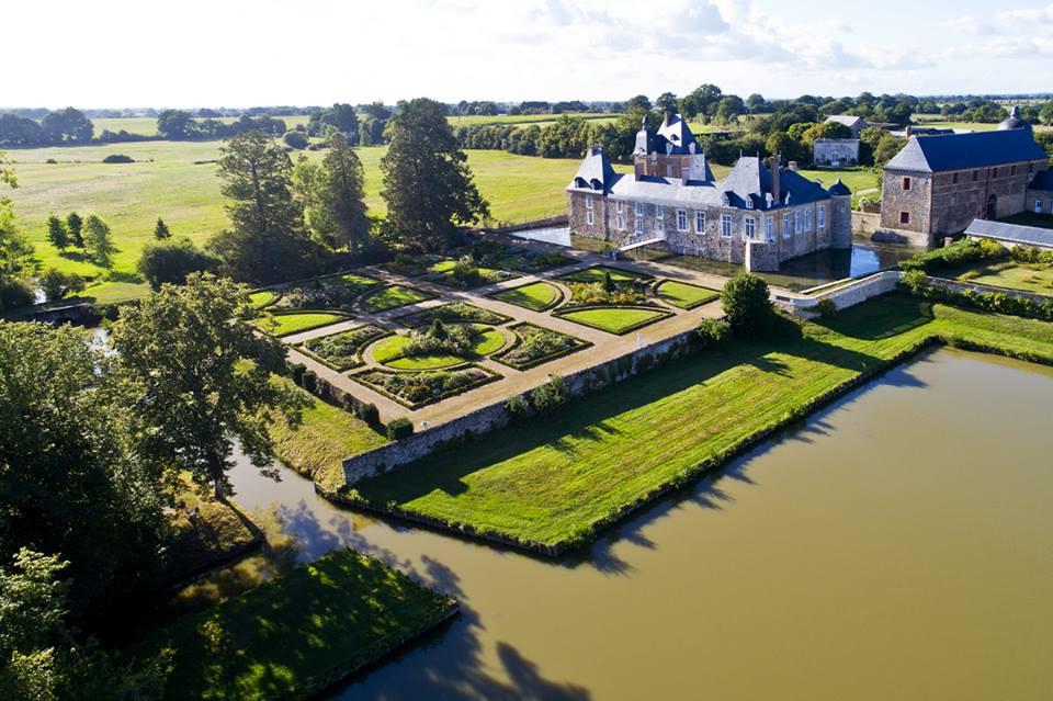 le château des arcis : à vister lors de votre séjour au Presbytère du Vigneau