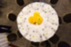 centros de mesa amarillos boda