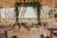 decoración de ceremonia tropical