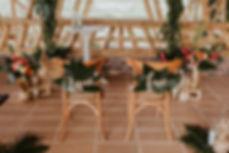 decorción de bodas con piñas