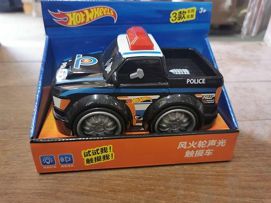 מכונית עם סוללות