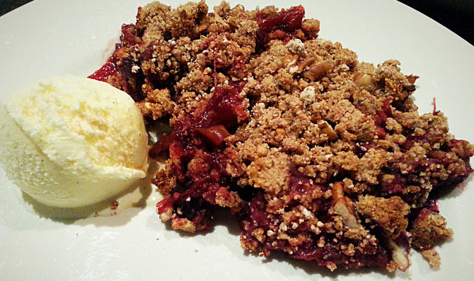 Apple & Rhubarb Paleo Crumble