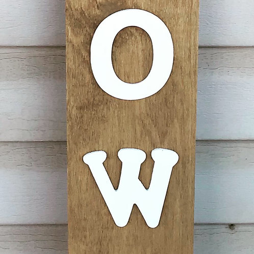 Handcrafted Howdy Sign