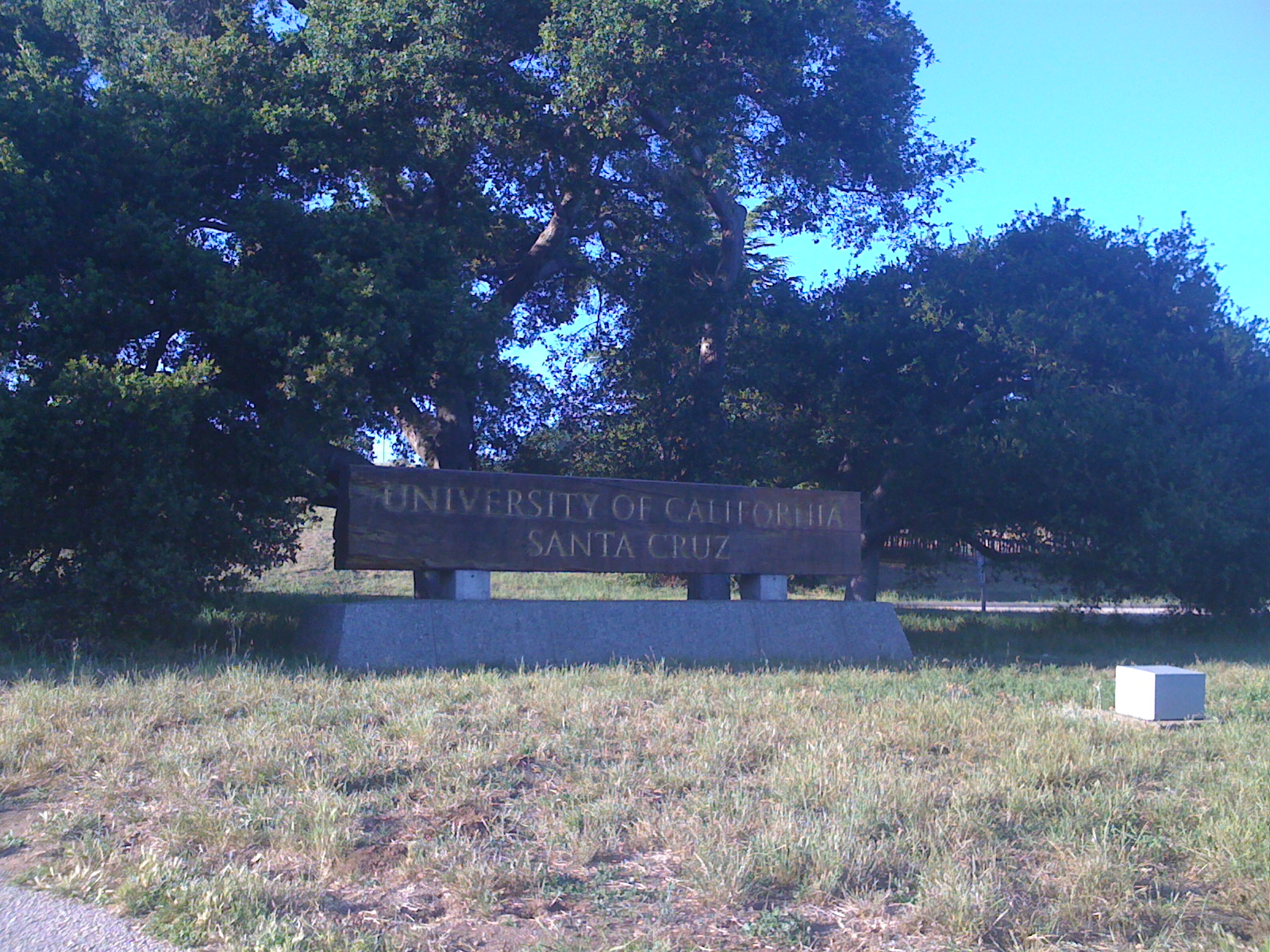 UC Santa Cruz entrance.JPG