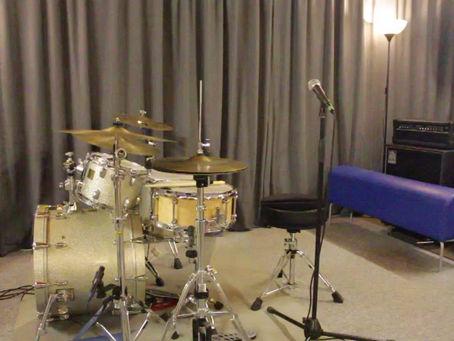 Liebe Schlagzeugschüler !