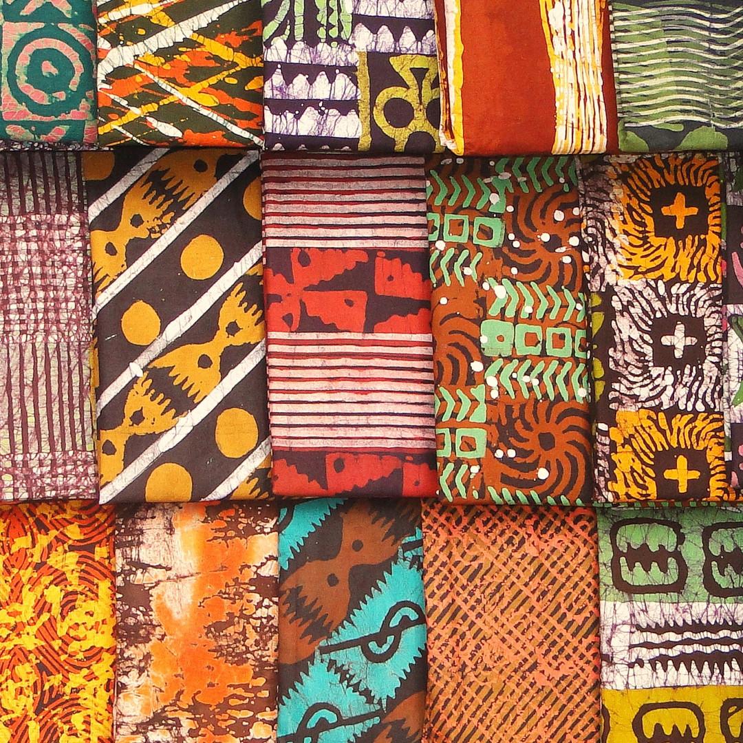 Kente_Kumasi_2010-06-30-cropped.jpg