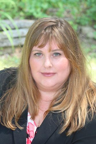 Lisa Geason-Bauer Headshot .JPG
