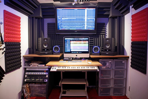 HeadVillage Studio