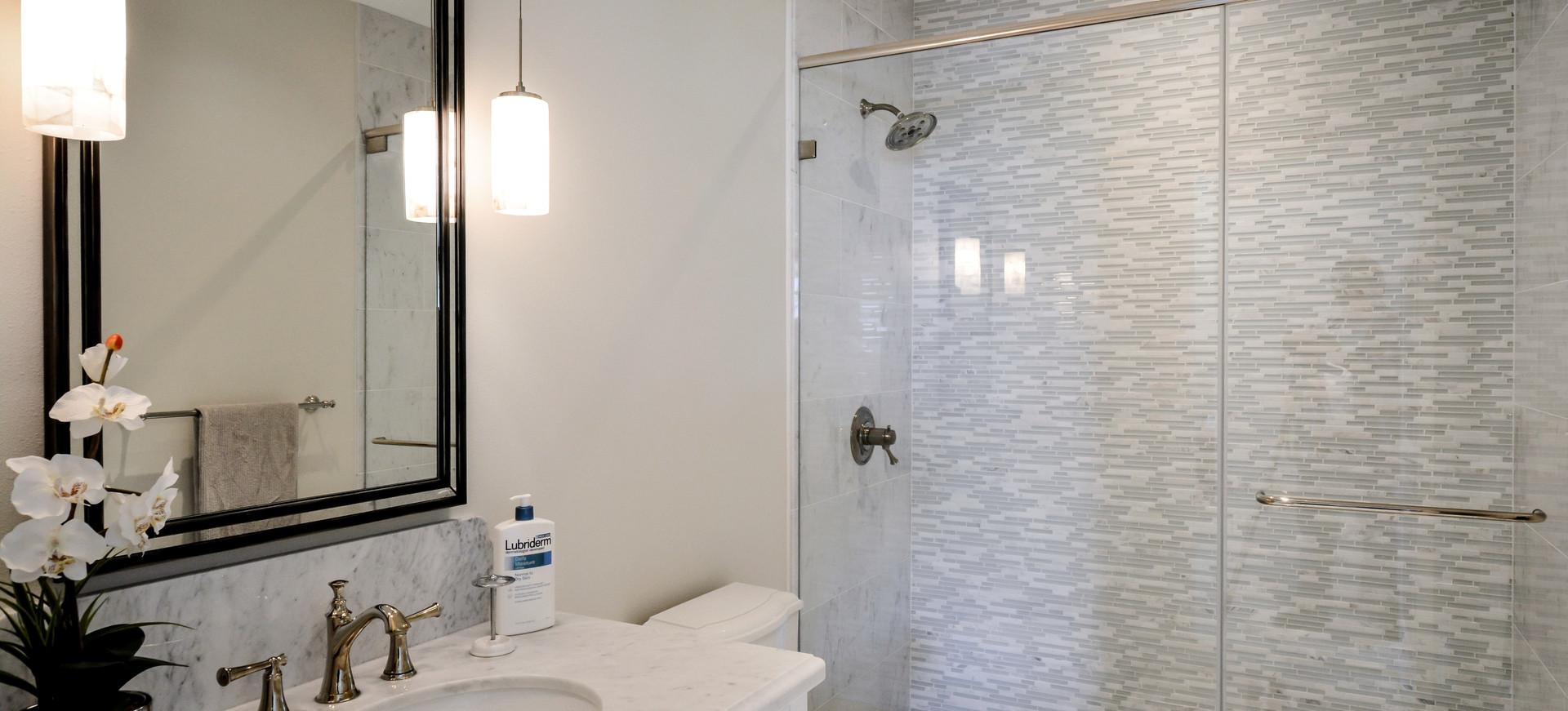 Bathroom of Continental Hale