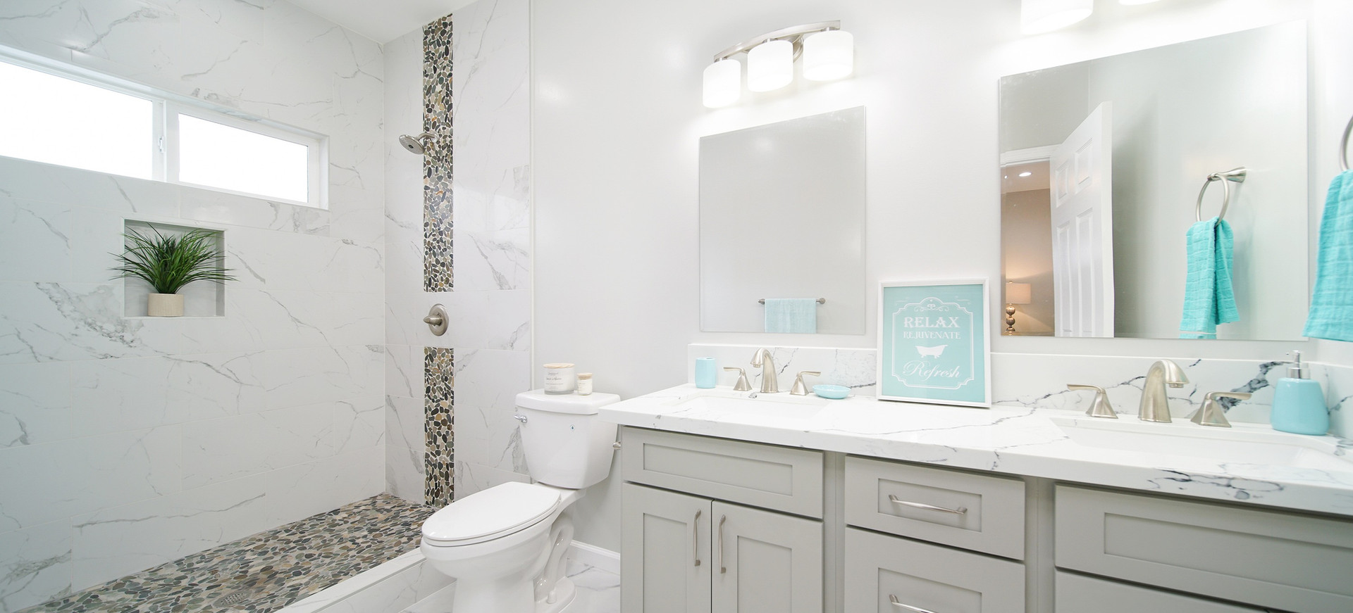 Master Bathroom of Hao Street Residence