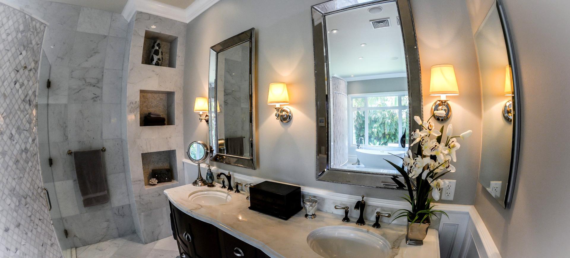 Master Bathroom of Continental Hale