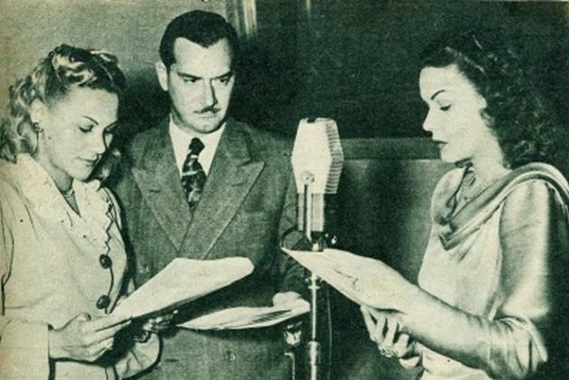 Actores leyendo audiolibro, novela, radio