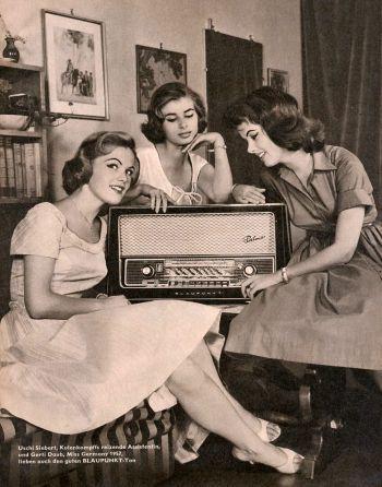 Escuchando la radionovela, audiolibro