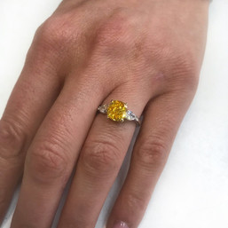 Engagement ring with Zimmi diamonds