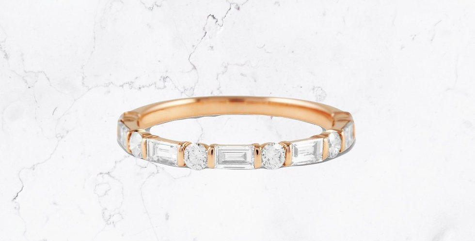 Round & Baguette Diamond Layla Ring