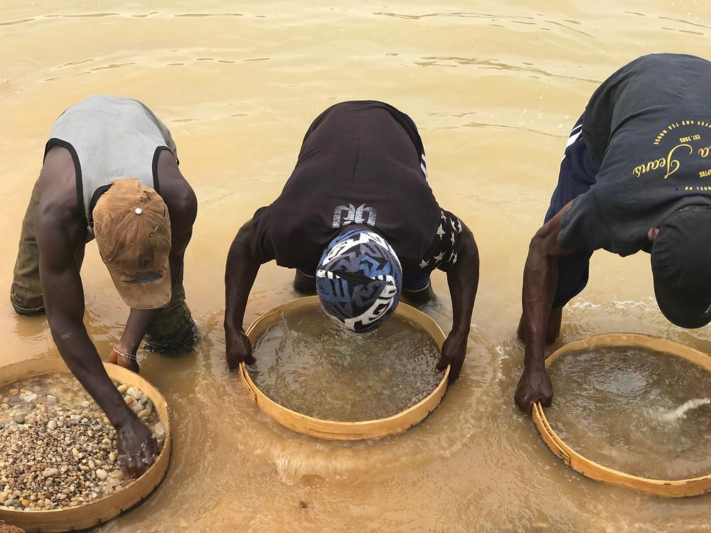 Zimmi diamond mining in Sierra Leone