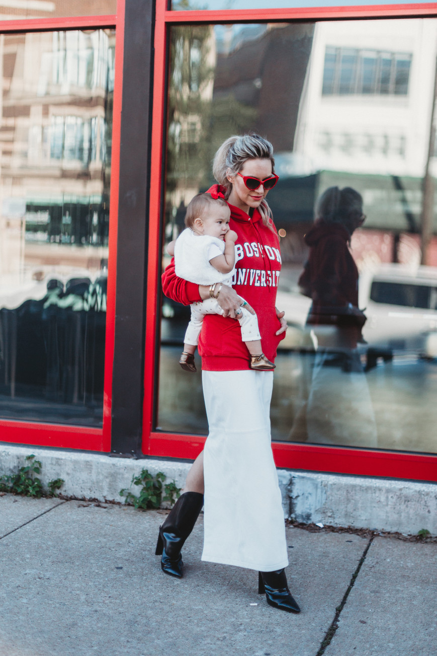 HOW TO WEAR A WHITE LEATHER SKIRT & OTHER THINGS THEY FORGOT TO TEACH YOU IN COLLEGE.