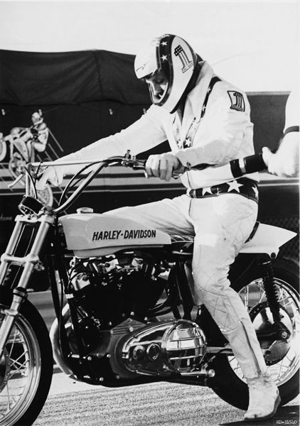 Evel Knievel, C