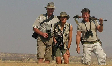 marco,safari guide,with clients,1407.JPG
