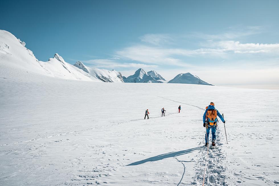 Mountaineering_SU21_CaroNorth_Breithorn_