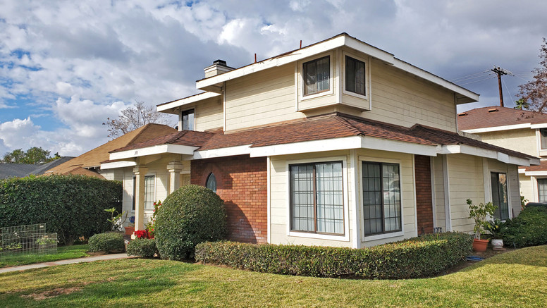 201 Walnut front house.jpg