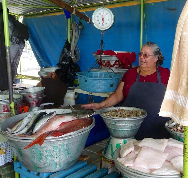El Salvador, La Libertad on the pier (3)