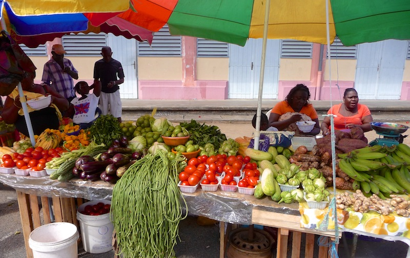 Frans Guyana, St. Laurent du M