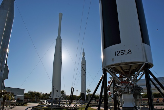 Kennedy Space Center div. Rockets