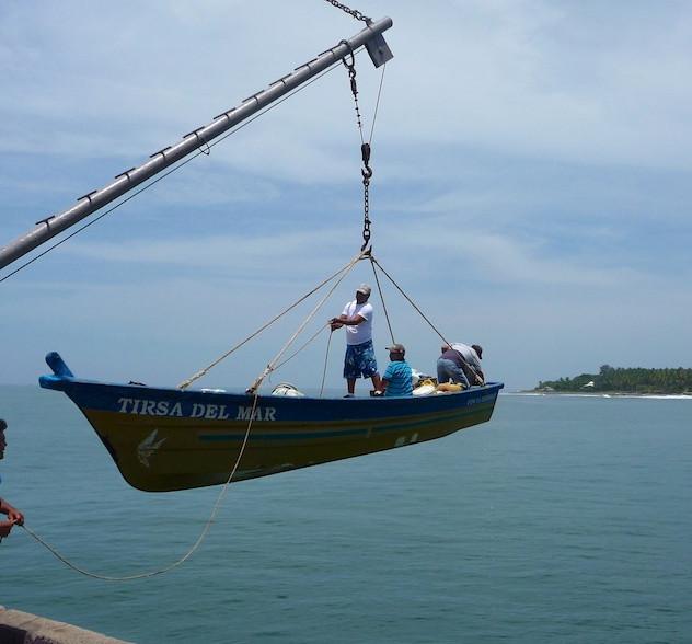 El Salvador, La Libertad on the pier (1)