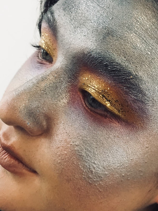 inspired by galaxy and planet, golden yellow in the middle of silver grey represents the sun