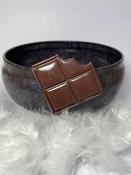 Magnet  carré de chocolat noir croqué
