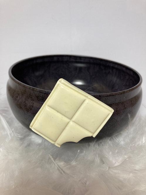 Magnet carré  chocolat  blanc croqué