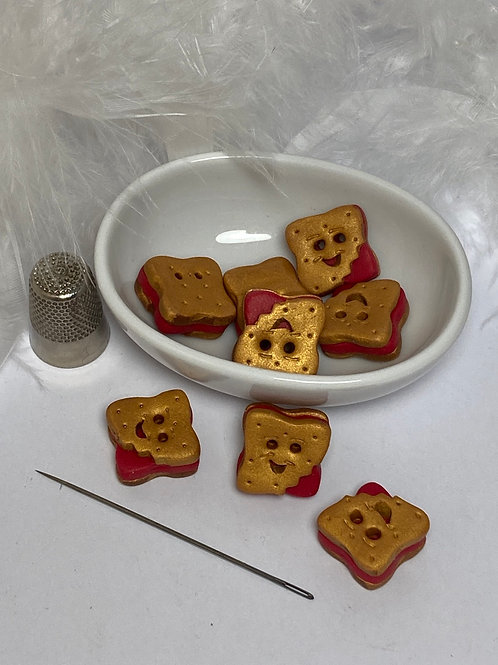 Bouton  biscuit sourire fraise