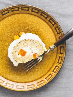 Orange and persimmon vegan cake roll