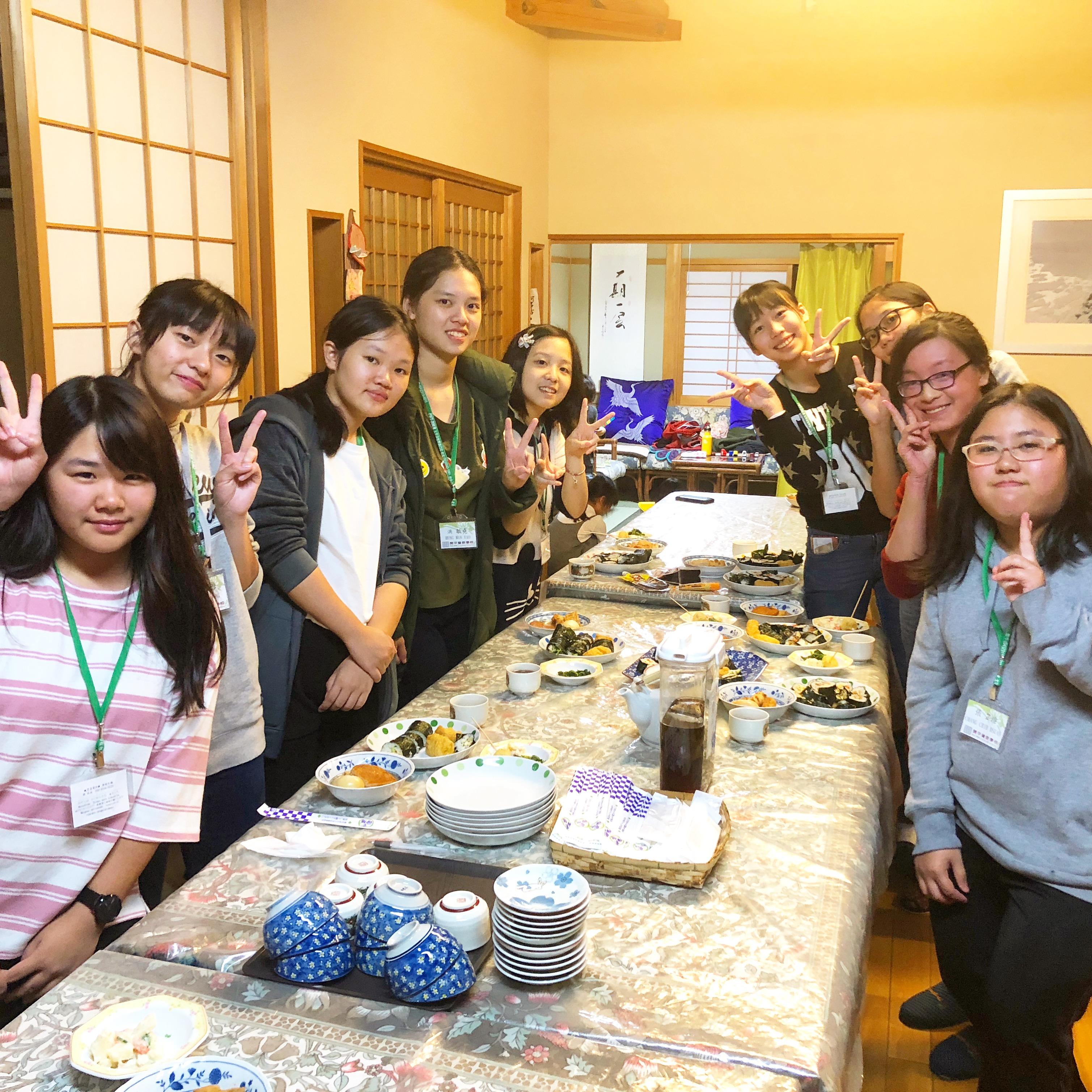 巻き寿司作り体験