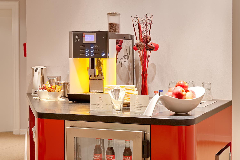 gaestehaus-der-elb-lounge-kaffeemaschine-2