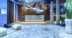 Hotelempfang in wasserblau