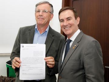 Coronel Camilo destina recursos financeiros para melhorar a saúde no Estado