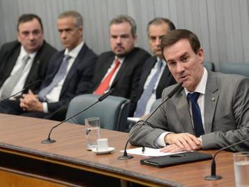 Coronel Camilo defende policiais na Comissão de Segurança